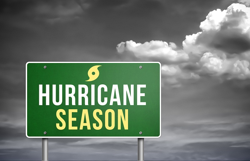 hurricane season là gì