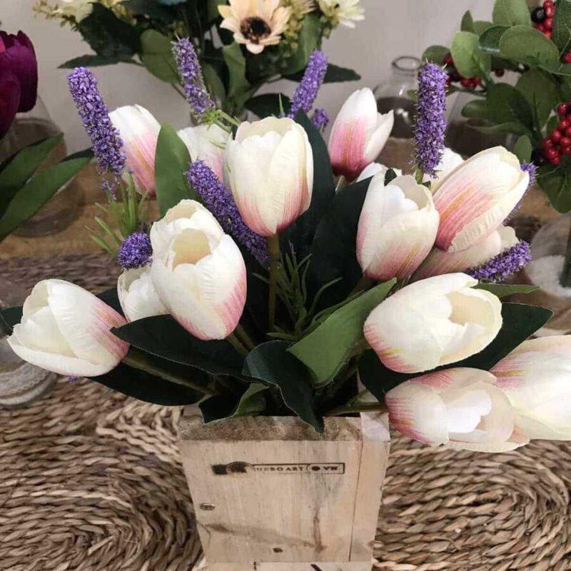 Cach Cam Hoa Tulip 2 800x800
